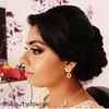 Glowing HD Bridal makeup by me @beautydosage #srilankan #srilanka #colombo #lankan #mua #beautyblogger #bride #colombofashion