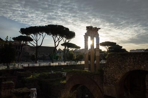 roma lazio italy it rom rome italien italia ricoh ricohgr ricohgrv forodicaesare forumromanum antique antik ruins ruinen sunrise sonnenaufgang morgen morning