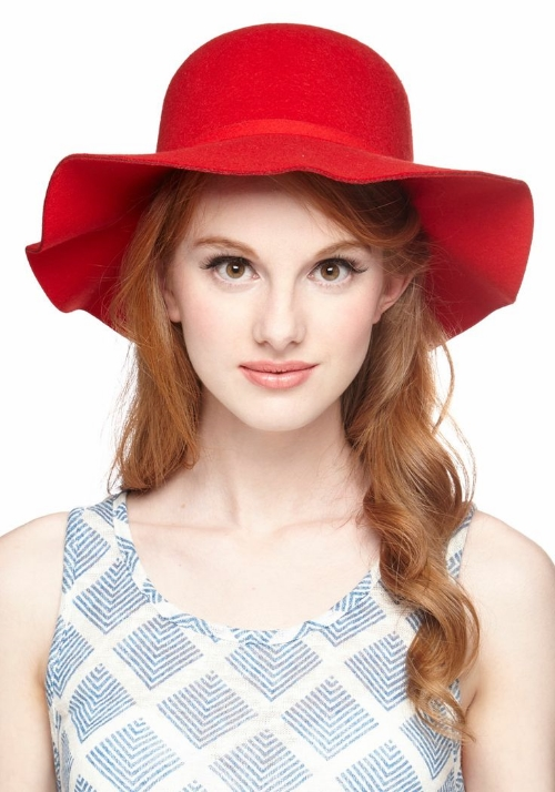 modcloth Oh Classy Day Hat in Scarlet
