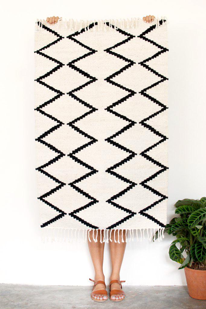 Win this gorgeous rug. www.apairandasparediy.com