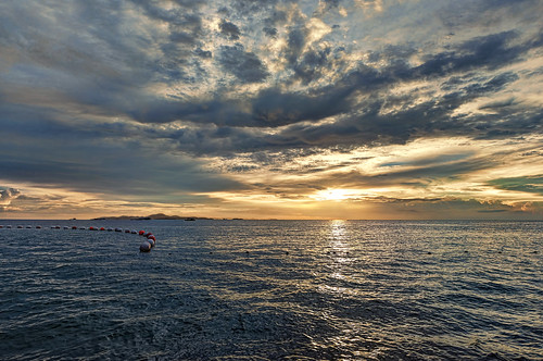 travel light sunset sea sun seascape color water thailand boats island nikon wideangle adventure thai recreation backlit nikkor relaxation ultrawide hdr d800 1635mmf4