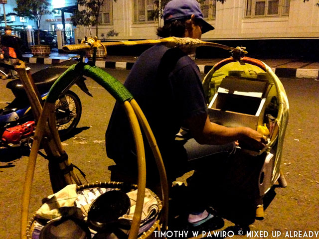 Indonesia - Bandung - Angkringan - Tahu Gejrot