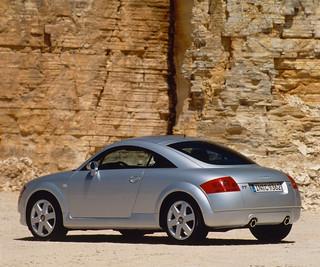 Audi-TT-Coupé-quattro-1998