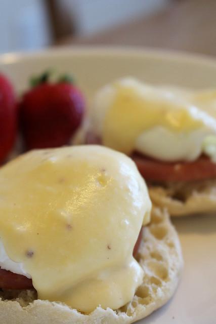 Gouda Eggs Benedict