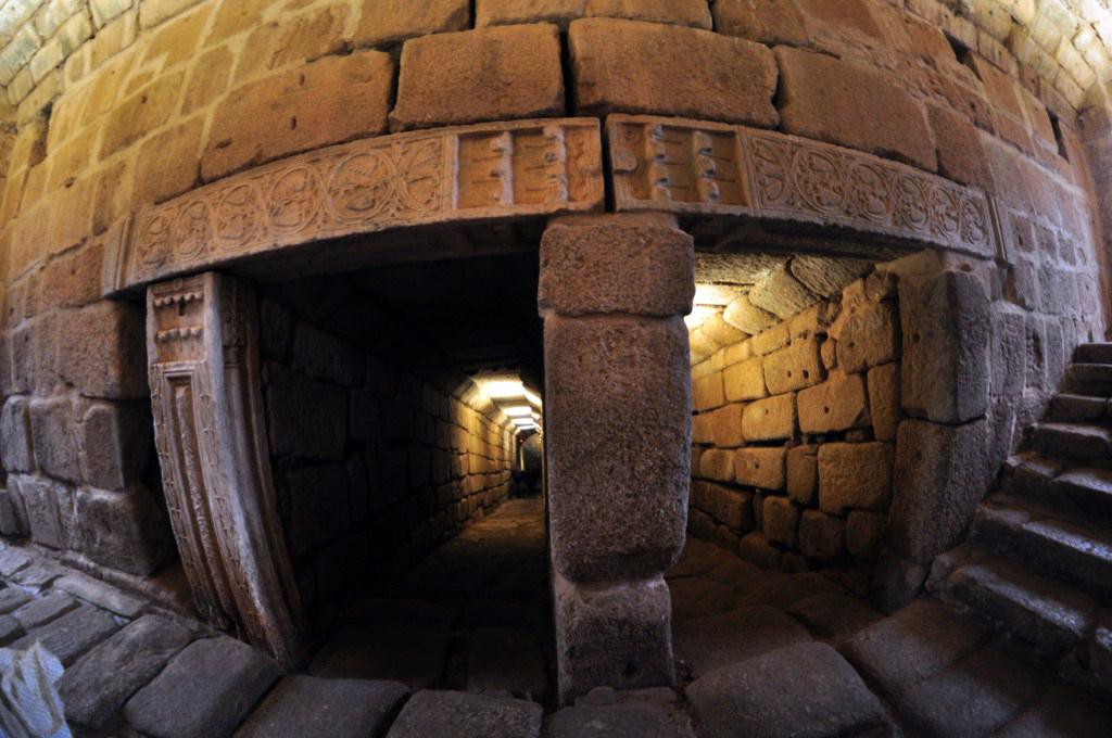 Galerías subterráneas que llevan hasta el aljibe de la Alcazaba Árabe de Mérida El aljibe de la Alcazaba de Mérida - 14664343039 5df00c48f2 o - El aljibe de la Alcazaba de Mérida