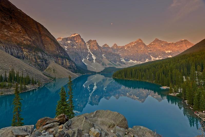Sunrise Moraine Lake - Banff National Park