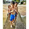 3 budak pantai