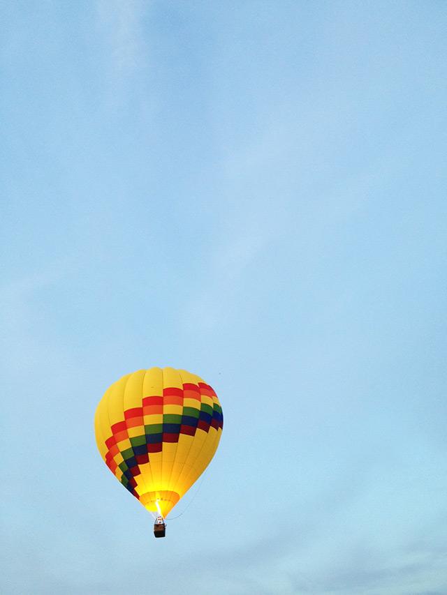 hot air balloon chasing, 60 acres redmond washington, hot air balloon photography, seattle washington hot air balloon ride