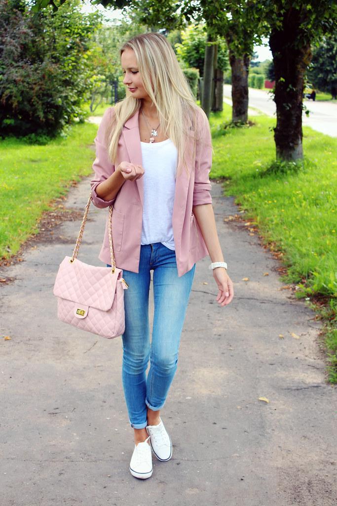 european-fashion-blogger-blonde