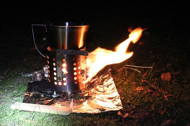 Holzkocher aus Besteckabtropfständer III