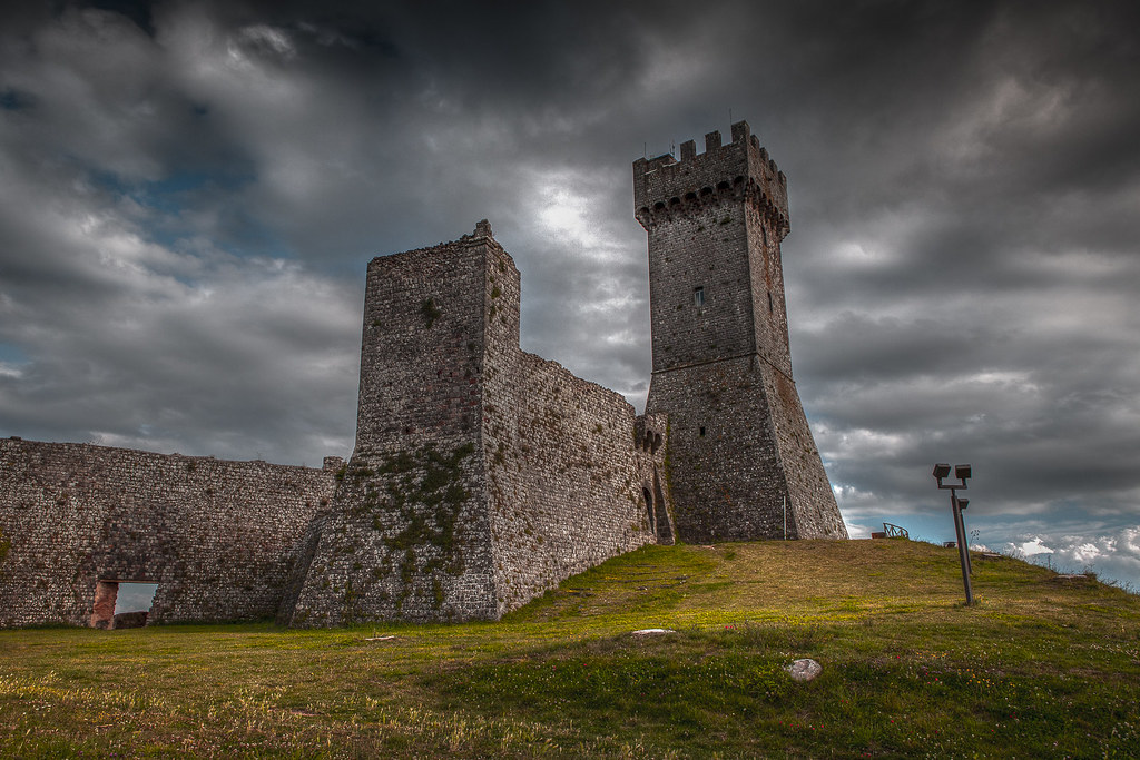 Val d 39 orcia siena italy around guides - Porta castellana montalcino ...