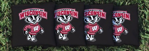 WISCONSIN BADGERS BLACK CORNHOLE BAGS