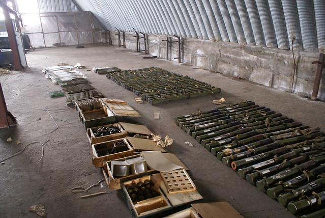 На Запоріжжі СБУ виявила великий арсенал зброї та боєприпасів _3