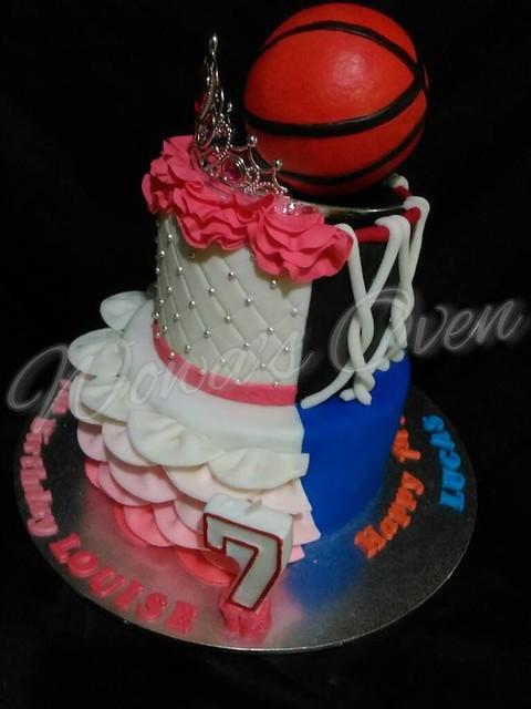 Cake by Lady Lynn Panlaqui-orencia of Wowa's Oven