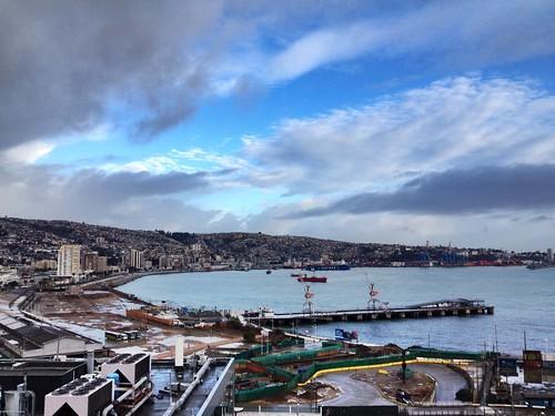Valparaíso amanece después de una noche de lluvia