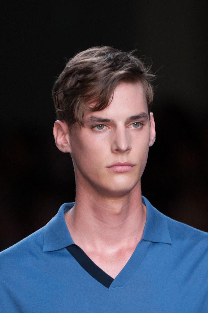 Tim Meiresone3130_SS15 Milan Fendi(fashionising.com)