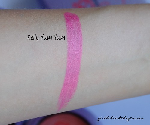 MAC Kelly Yum Yum swatch