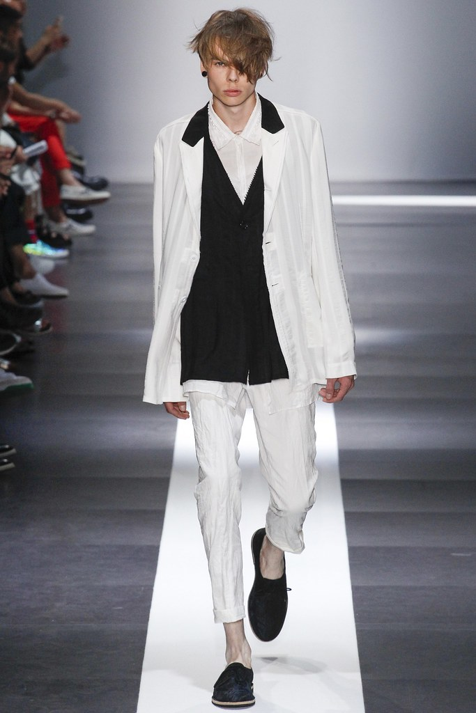 SS15 Paris Ann Demeulemeester016(VOGUE)