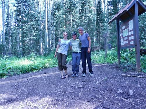 Sunshine Mesa Trailhead - Apres Gladstone Peak