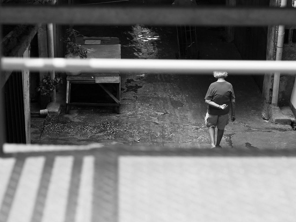 孤身只影 Loner