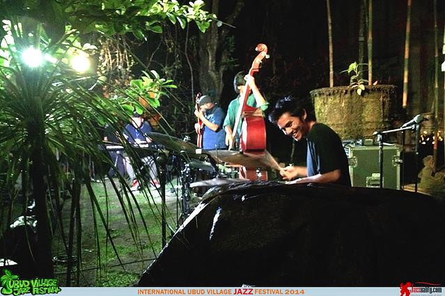 Ubud Village Jazz Festival 2014 - Sandy Winarta Quartet (5)