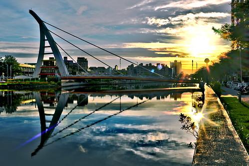 sunset sky cloud sun clouds landscape nikon day cityscape f14 taiwan 夕陽 24mm tainan 台灣 雲 台南 日落 hdr 雲彩 d610 samyang jjchangphoto