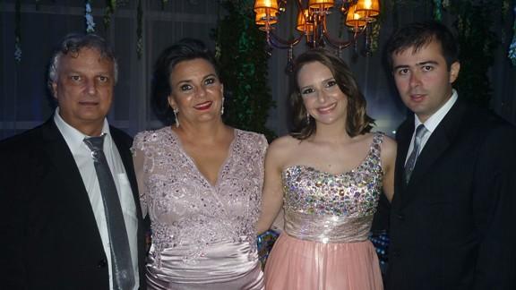 Manoel e Bernadete Pinheiro com Raquel e Moraes Neto