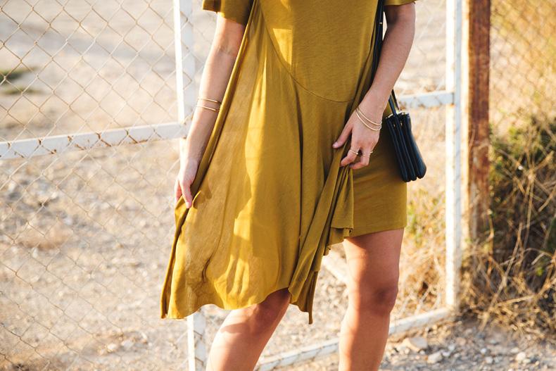 KHAKI_Dress-Trend-Snake_Sandals-31
