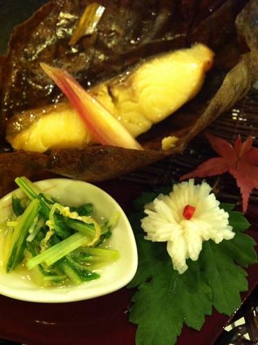 焼物 銀鱈の西京焼き 菊蕪甘酢漬け  水菜お浸し