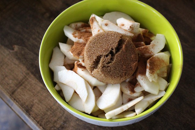 sliced-apples-apple-crisp