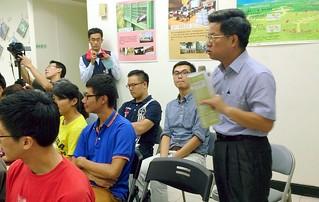 國民黨立委林國正表示,沒有配套就沒有石化專區;攝影:李育琴。