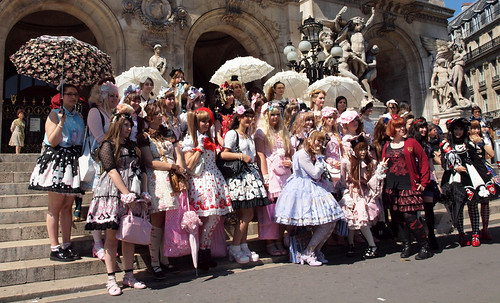 Lolitas at L'Opéra