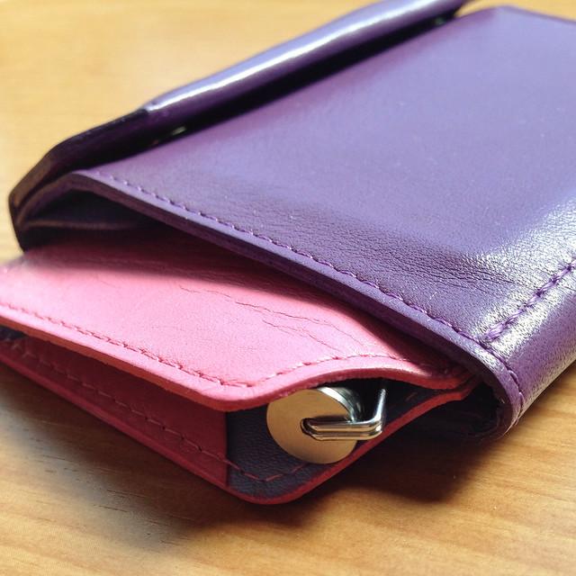 iPhoneも入る財布にSu-Pen