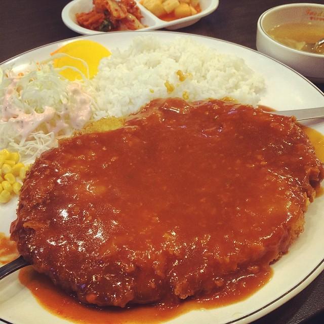 #instagram #instafood #korea #seoul #food #pork #cutlet 남들은 비오면 파전 생각난다는데 난 돈까스 왜죠?^^;