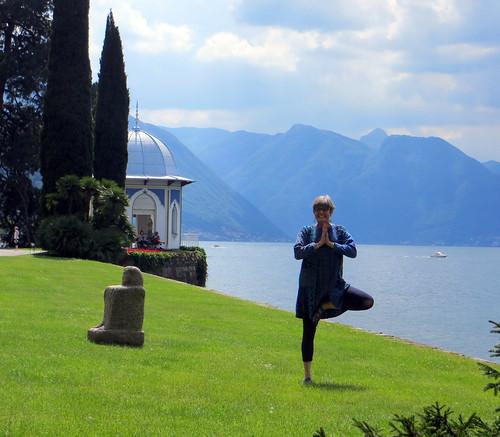 lake como may 2014 yoga pose