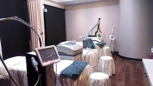 萊佳形象美學診所雷射光療室