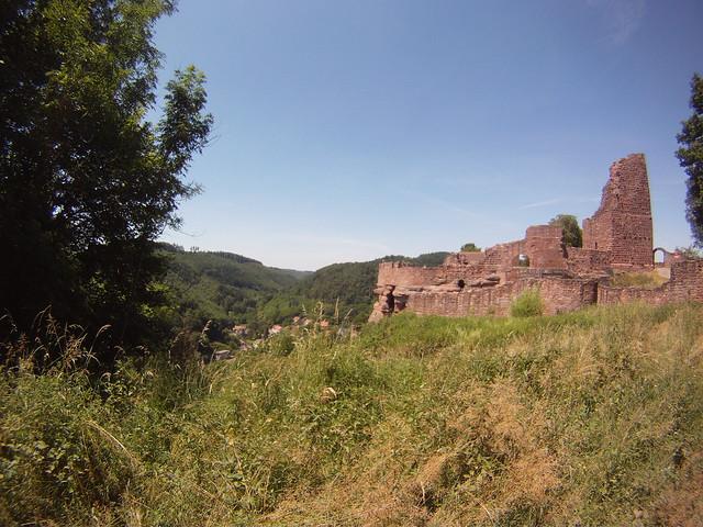 Lutzelbourg castel ruins