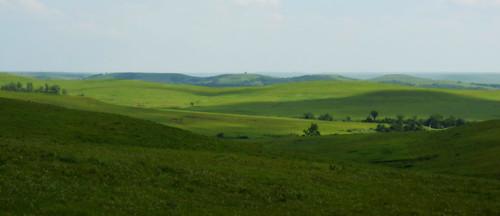 light green landscape ks kansas flinthills cloudshadows wabaunseecounty skylineroad ortoneffect ipiccy