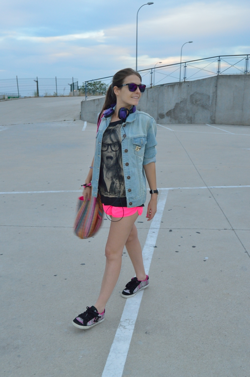 lara-vazquez-madlula-blog-style-fashion-pink-shorts-sporty-look