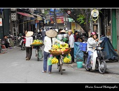 Hanoi: market in Hoan Kiem
