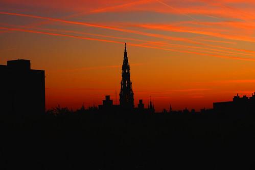sunset red sky black contrast sonnenuntergang picture bruxelles lovely brüssel kontrast