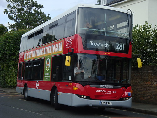 London United SP102 (2000s LU) on Route 281, Fulwell