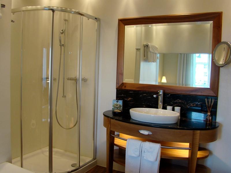 Hotel des Balances Lucerne washroom