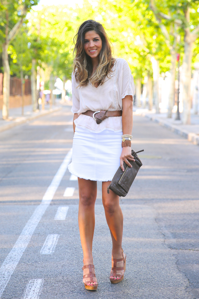 trendy_taste-look-outfit-street_style-ootd-blog-blogger-fashion_spain-moda_españa-white_skirt-falda_blanca-sandalias_cuña-wedged_sandals-11
