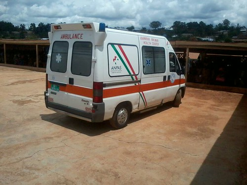 """New Life"" arriva in Ghana l'ambulanza Anpas"