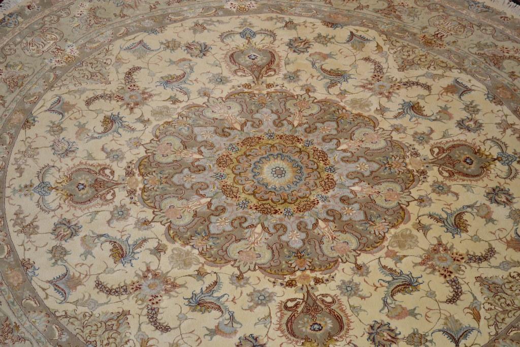 Novinfar 8x8 Round Tabriz Persian Rug