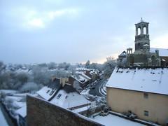 Montfort sur Meu sous la neige