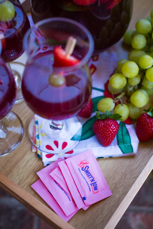Low-Calorie Summer Sangria #SweetNLowStars