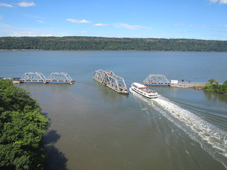 Metro-North bridge