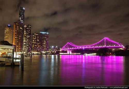 street bridge pink light reflection water night river dark lights evening noche pier view darkness purple eagle nacht australia brisbane story qld queensland lit australien nuit notte refections 布里斯班 australie ночь 夜 澳大利亚 オーストラリア 晚上 австралия ブリスベン 오스트레일리아 브리즈번 брисбен